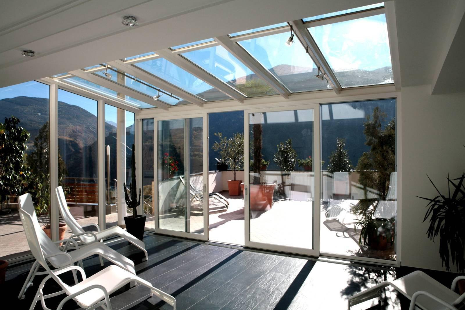 Per verande e coperture vetrate serramenti isolanti ed for Finestre a tetto prezzi