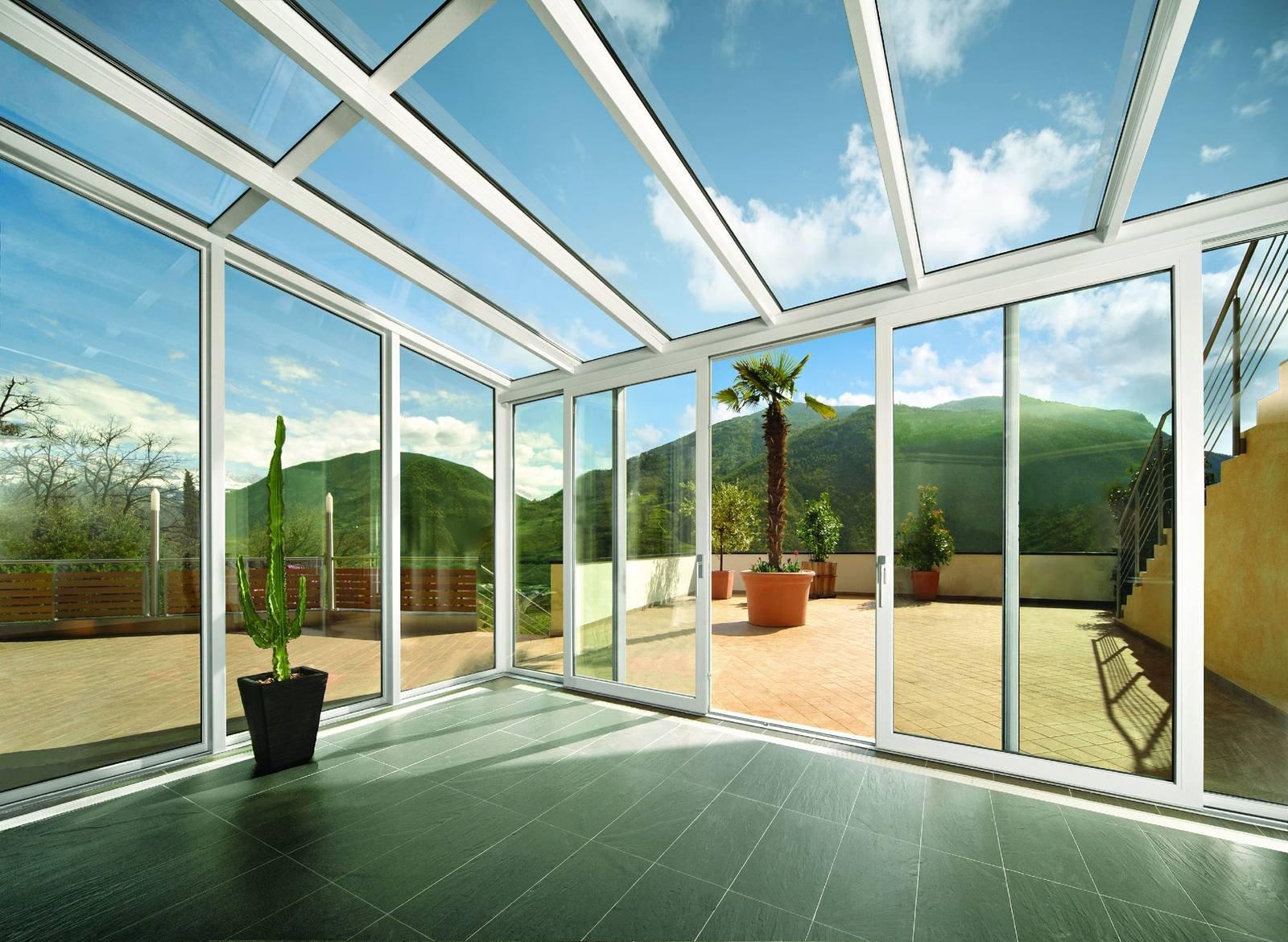Per verande e coperture vetrate serramenti isolanti ed for Case con vetrate