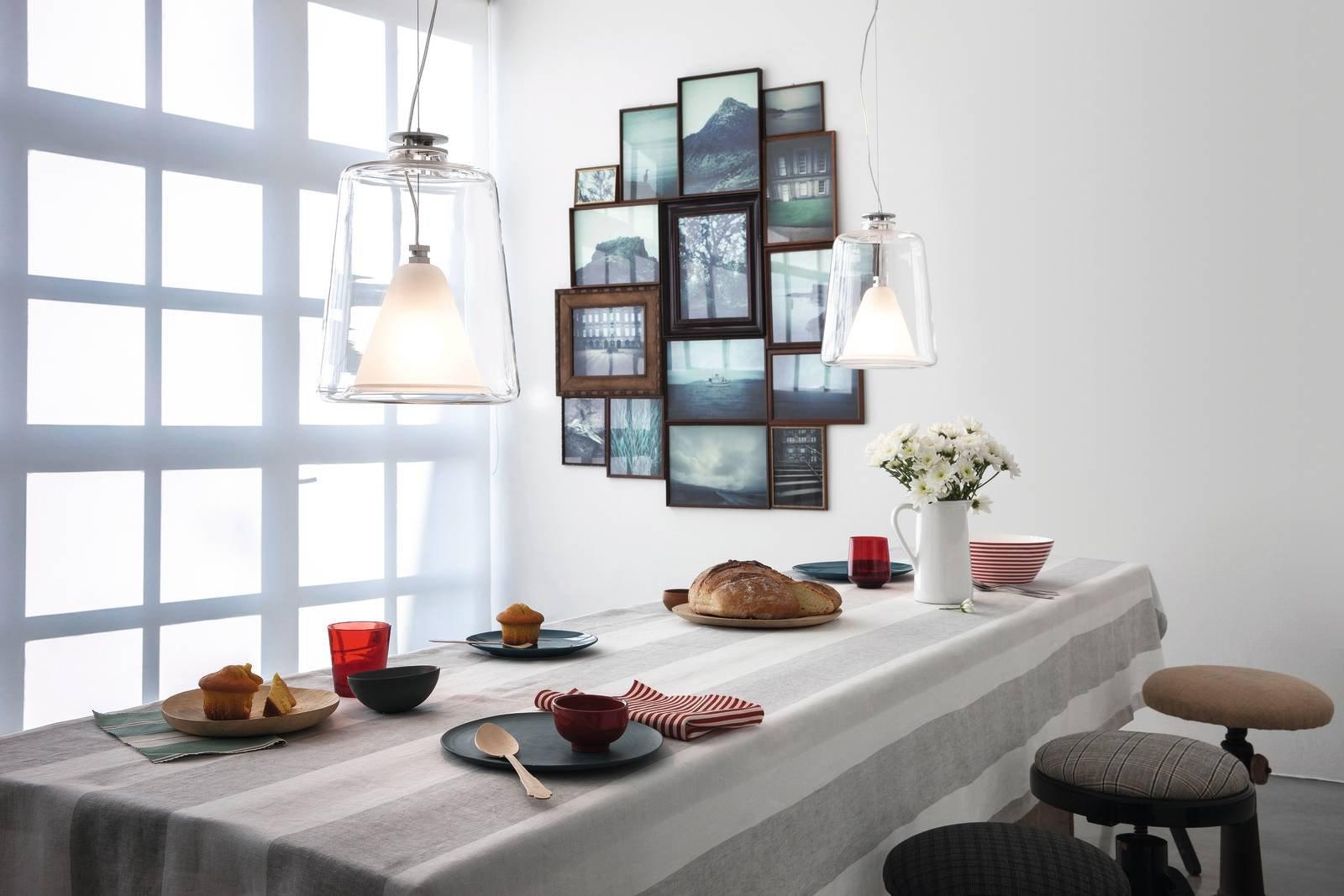 Appendere i quadri come disporli bene sulla parete - Tende per sopra il letto ...