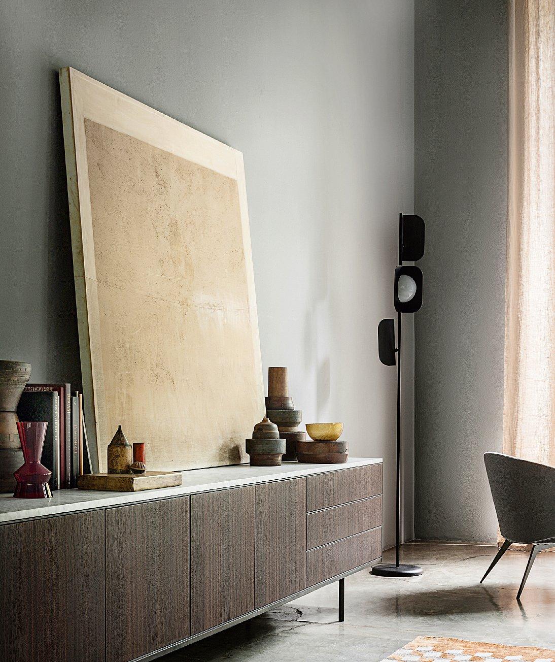 Appendere i quadri come disporli bene sulla parete - Specchi da soggiorno ...