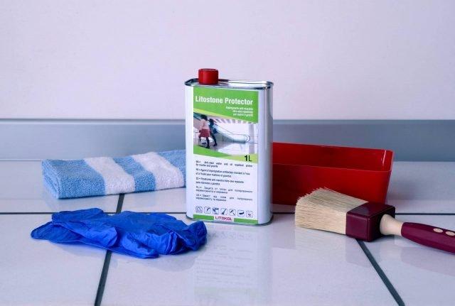 Il trattamento delle foto in alto è stato effettuato conLitostone Protector di Litokol,unimpregnante solvente antimacchia, adatto per marmi e graniti. Prezzo73,50 euro alla confezione.www.litokol.it