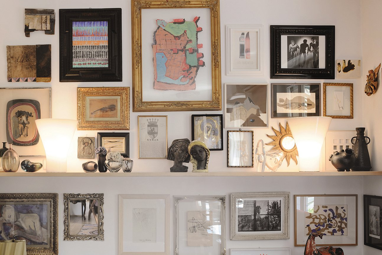 Illuminare i quadri dal basso dall alto o con luce diffusa