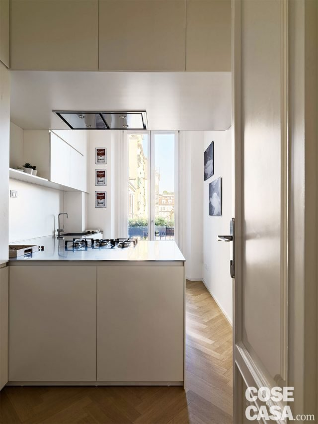 Separ㨠Cucina Soggiorno : Mq con una parete in vetro per dividere soggiorno e