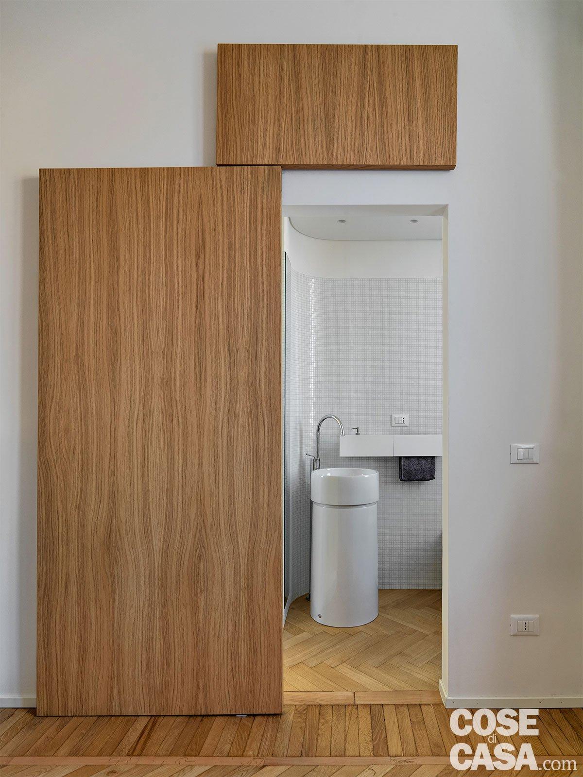 110 mq con una parete in vetro per dividere soggiorno e - Porta per bagno disabili ...
