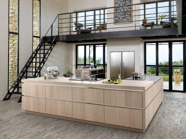 Cucina effetto legno la bellezza dell 39 essenza con i for Cucine schmidt