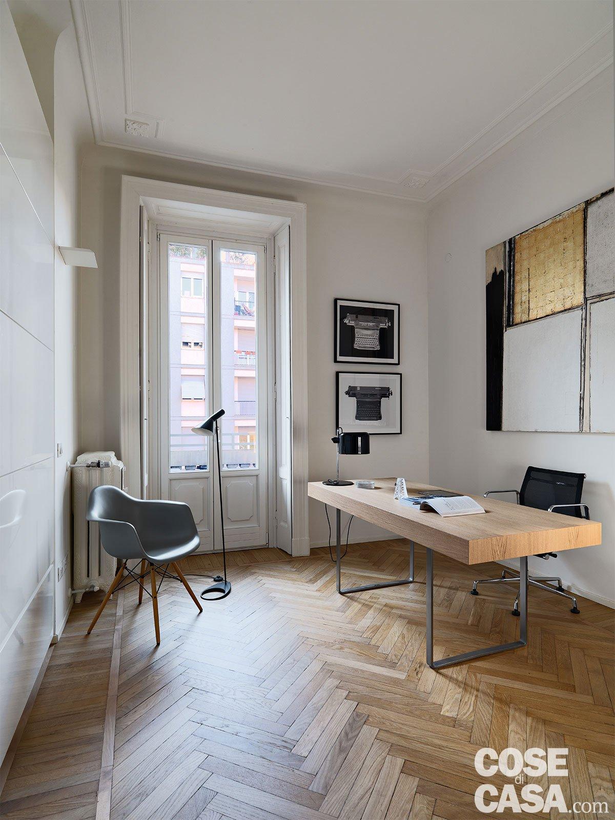 110 mq con una parete in vetro per dividere soggiorno e for Case con verande tutt attorno