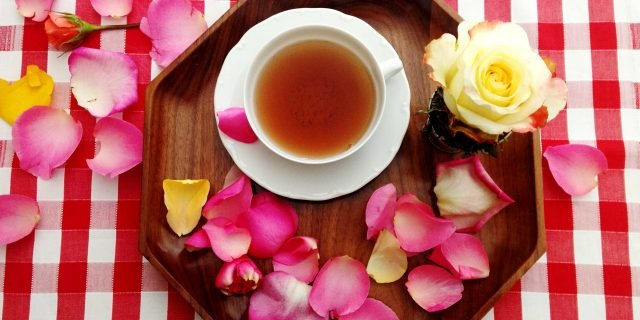 Tè alla rosa: una sorpresa per la festa della mamma