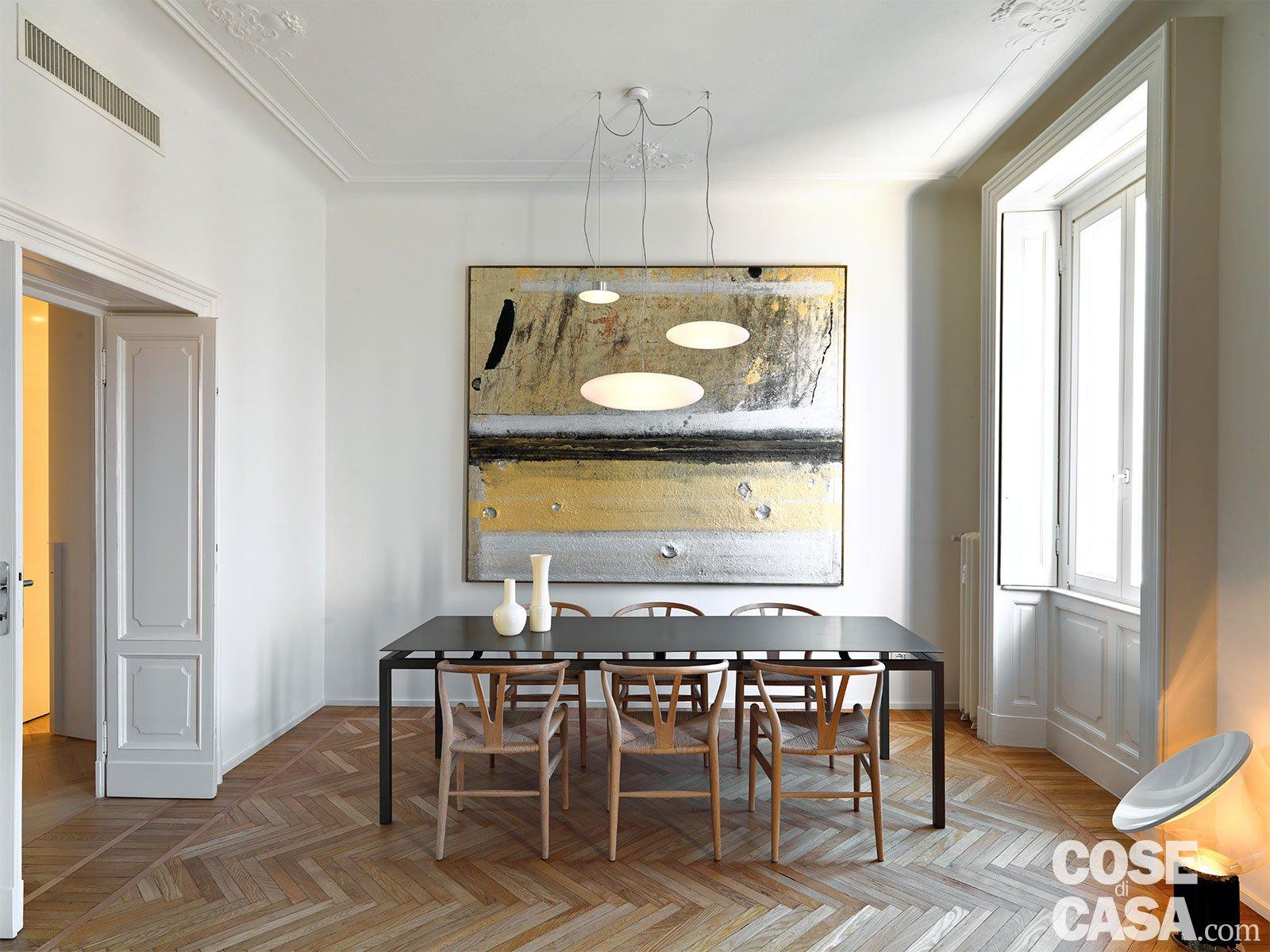 Oltre Il Soffitto Di Vetro : 110 mq con una parete in vetro per dividere soggiorno e corridoio e