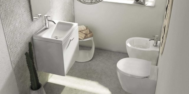 Eleganti vasi e bidet in stile minimal: i sanitari salvaspazio