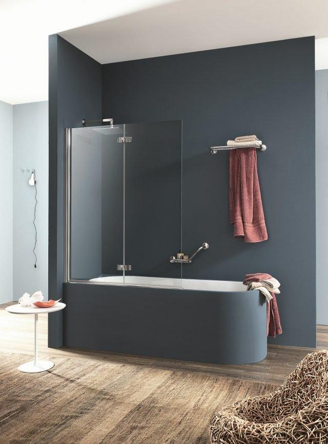 Nei bagni di piccole dimensioni la vasca diventa multifunzione e si trasforma in doccia grazie - Vasca da bagno doppia ...