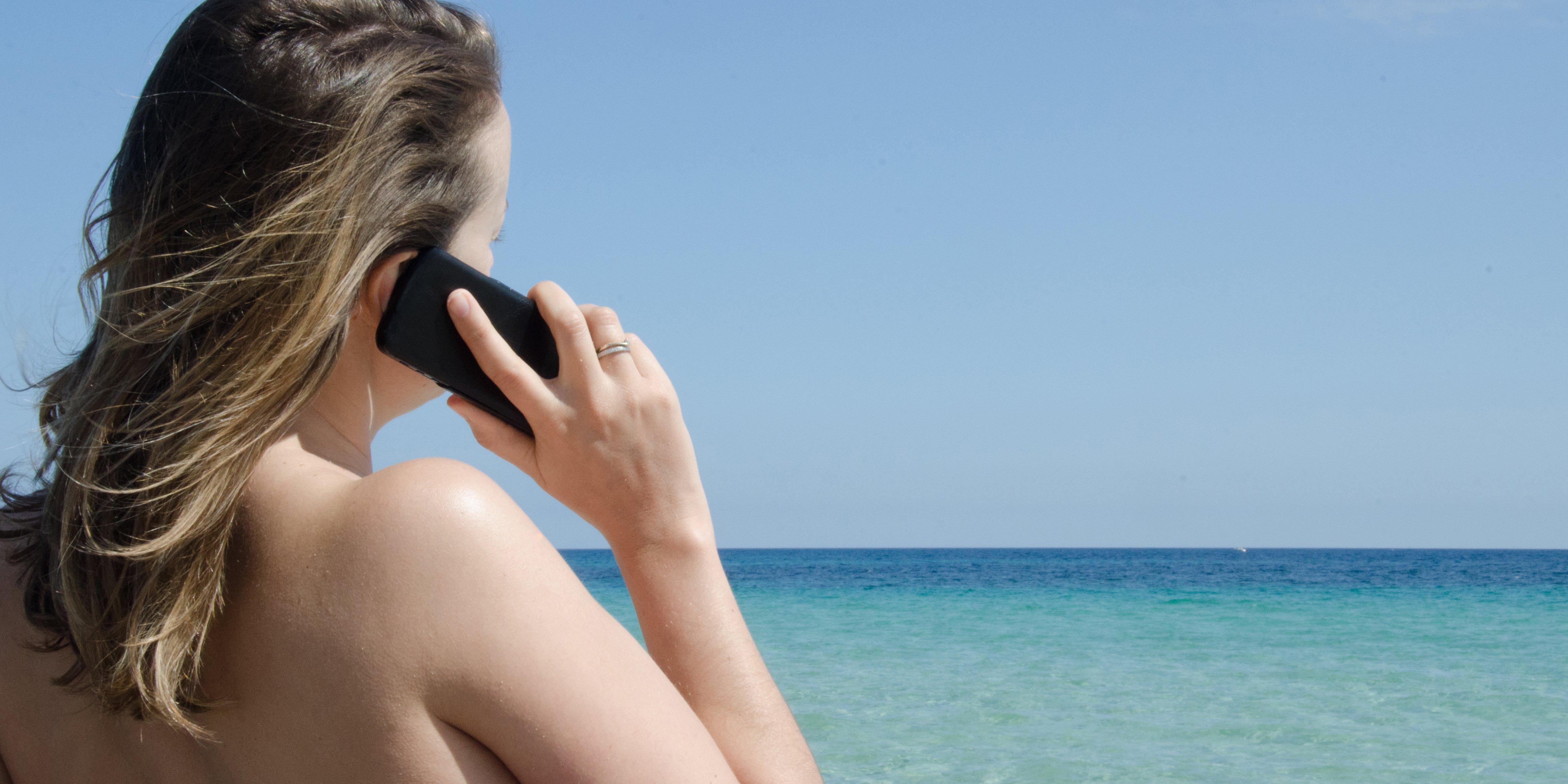 Roaming addio in tempo per le vacanze aboliti i costi for Addio roaming