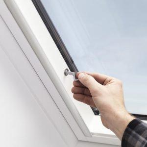Equipaggiamento antieffrazione su alcune finestre per tetti Velux (www.velux.it)