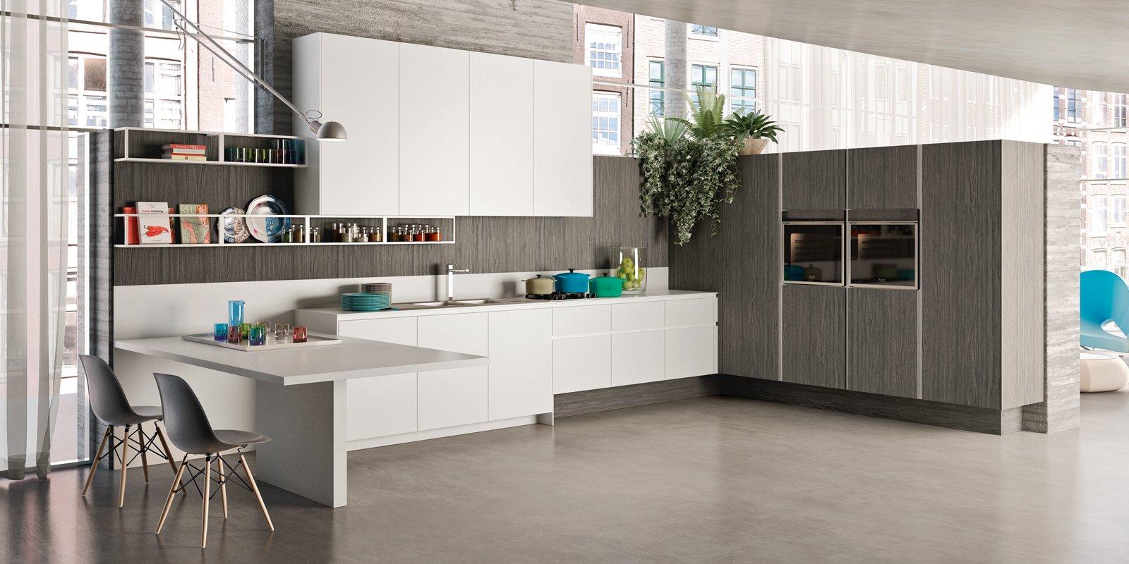 Cucine Con Finestra Sul Lavello la cucina sotto la finestra: 12 composizioni cui ispirarsi