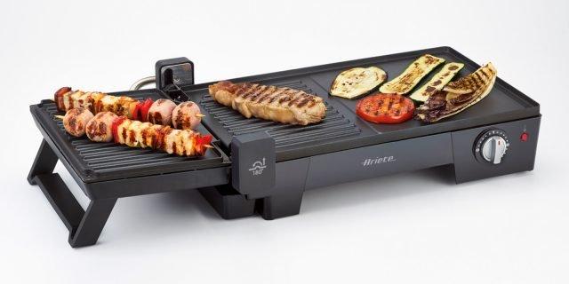 Barbecue per fare festa pranzando all'aperto e con cibi gustosi