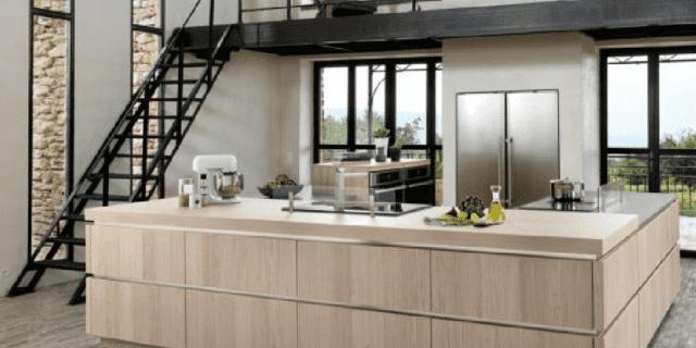 Legno o effetto legno in cucina: si usa chiaro o scuro? 10 modelli con il prezzo