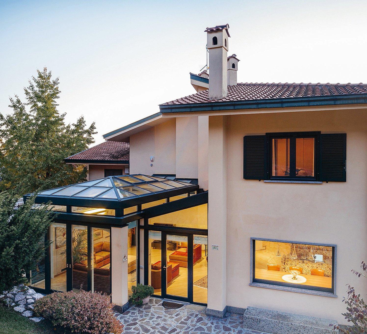 Vetrate e finestre per la veranda sistemi componibili for Case in vetro