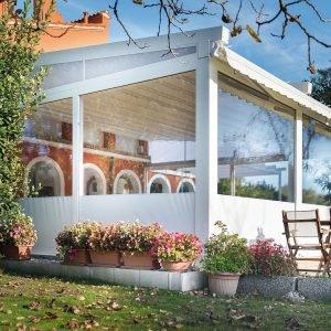 Case moderne con vetrate sottotetto with case moderne con for Piani di veranda anteriore