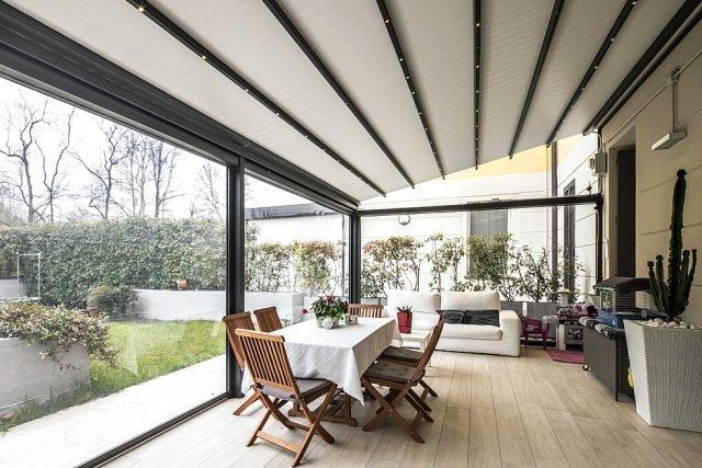 Vetrate e finestre per la veranda sistemi componibili - Finestre con pannelli solari ...