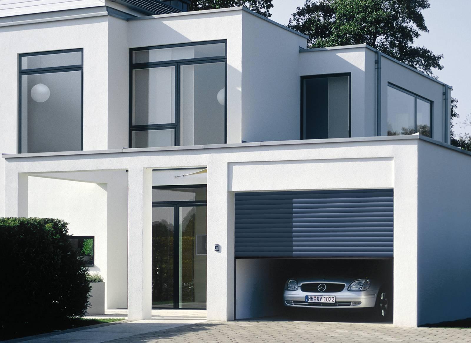 Porta per garage basculante a serranda o sezionale - Porta garage basculante ...