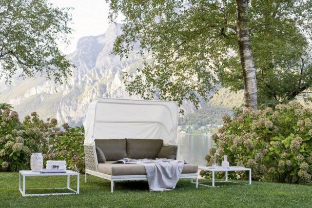 Arredi per esterno in fibre sintetiche cose di casa - Divano letto da esterno ...