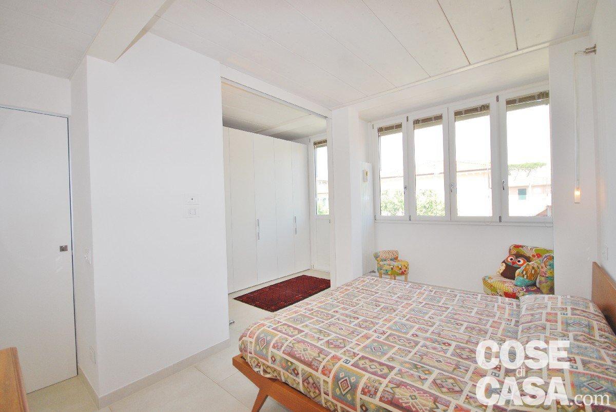 80 mq ma sembrano di pi merito dell 39 involucro bianco terra parete soffitto cose di casa - Come sistemare l interno dell armadio ...