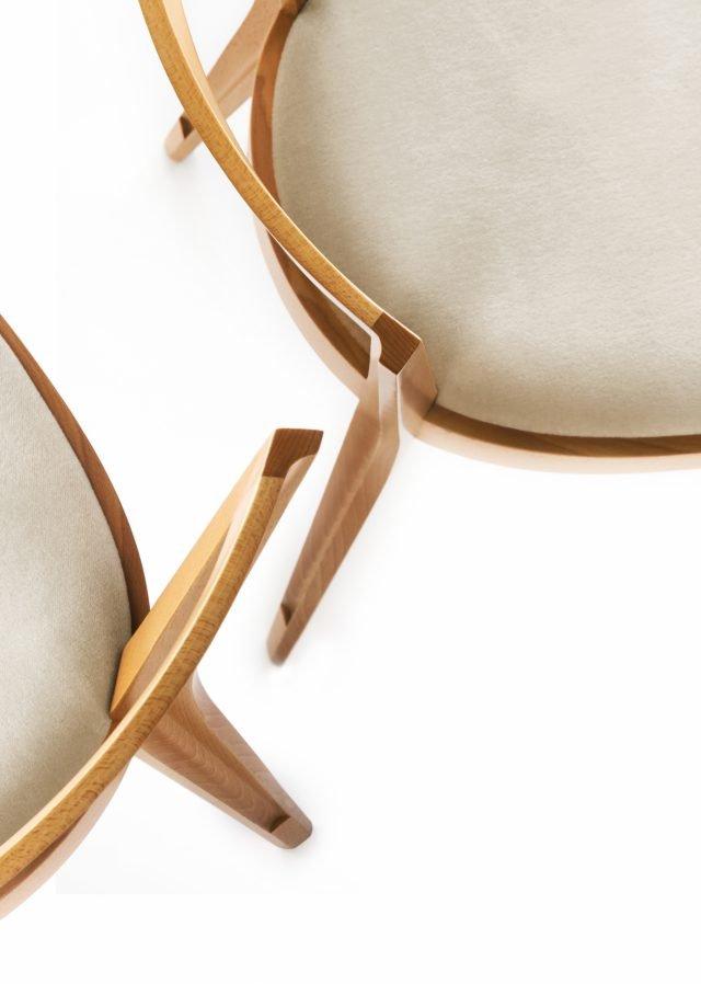La sedia 940 (design Giò Ponti) di BBB è ora prodotta anche in Oryzawood, materiale ecosostenibile. (www.bbbitalia.it)