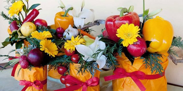 Fai da te: la composizione estiva con frutta, ortaggi e fiori