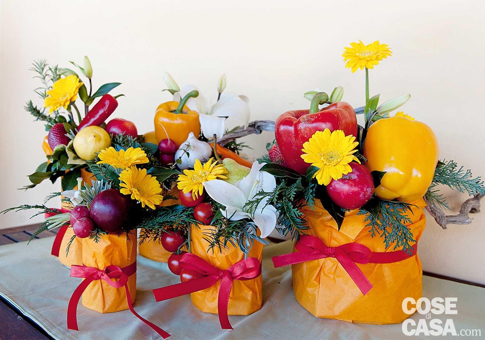 Fai da te la composizione estiva con frutta ortaggi e for Decorazioni con verdure e ortaggi