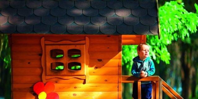Smalti per il legno per rinnovare il vecchio mobile, finestre e porte o la recinzione esterna