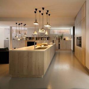 Cucine con l 39 isola 12 modelli per un living votato alla for Cucine schmidt