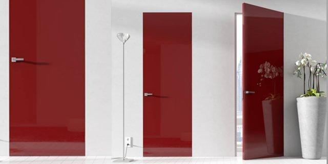 """Porte filomuro: """"mimetiche"""", minimali o all'opposto decorative"""