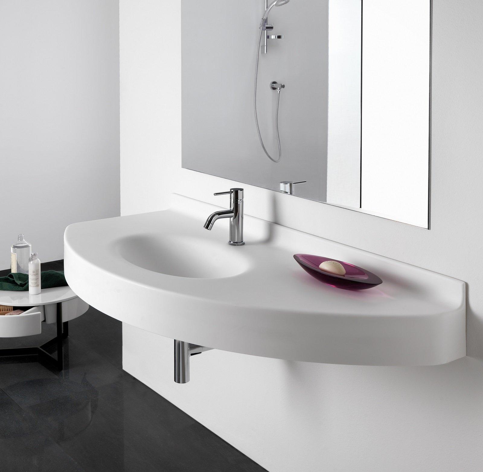 con o senza semicolonna il lavabo sospeso regala pi spazio. Black Bedroom Furniture Sets. Home Design Ideas
