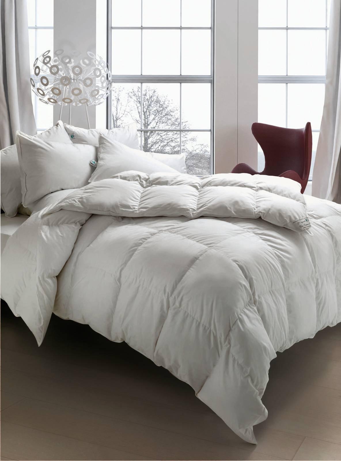 Prepariamoci al freddo con cinelli piume e piumini cose di casa - Piumino letto leggero ...