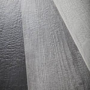 La collezione Kasai, fuoco in giapponese, è la proposta di Ceramiche Refin sviluppata dallo studio dello Shou Sugi Ban, o Yakisugi, tecnica artigianale che prevedeva l'uso del fuoco per carbonizzare il legno di cedro, al fine di proteggerlo e conservarlo. Ora simili sensazioni visive e tattili sono disponibili sul gres porcellanato. www.refin.it