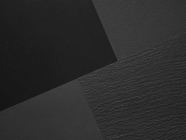 Nero Assoluto e Bianco Assoluto, di Lapitec, completano la palette di rivestimenti monocromatici in grés disponibili in tre spessori standard, 12, 20 e 30 mm, e in sette finiture, da quelle luminescenti a quelle strutturate e materiche. www.lapitec.it