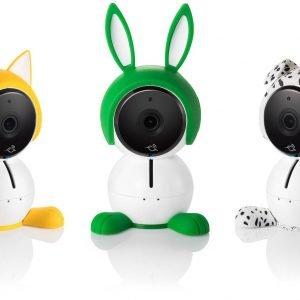 Netgear ha presentato Arlo Baby, videocamera di babymonitoringall-in-onedotata di videocamera HD, riproduttore musicale di ninna nanna, luce notturnamulticolor, batteria ricaricabile e sensori dell'aria. Arlo Baby offre una serie di caratteristiche pensate per i genitori che vogliono vivere serenamente: lettore musicale, sensori per monitorare la qualità dell'aria, la temperatura e il livello di umidità, e una luce notturna multicolore integrata. Consente, inoltre, un accesso remoto a video, live streaming e registrazioni, audio a 2 vie e opzioni avanzate di visibilità notturna in modo da permettere ai genitori di poter tenere d'occhio il proprio bambino con una qualità video HD 1080p, di notte e digiorno e da qualunque luogo. Prezzo Arlo Baby Smart HD Monitoring Camera (ABC1000) 329 euro. www.arlo.com