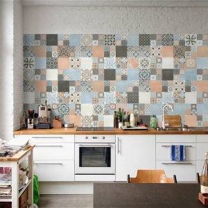 Abbazie è la nuova collezione di Faetano Del Conca ispirata alle cementine; declinata in quattro varianti di colore (bianco, antracite, azzurro e terracotta) e nel decoro Notre Dame, è disponibile nel formato 20x20 e in formati speciali come il mosaico. www.gruppodelconca.com