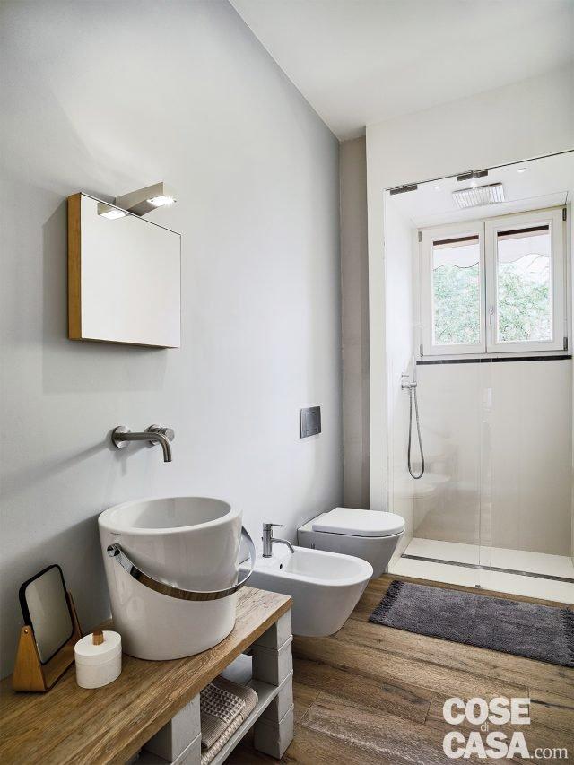 150 mq tutti da copiare dalla divisione soggiorno cucina for Planimetrie del bagno con armadi