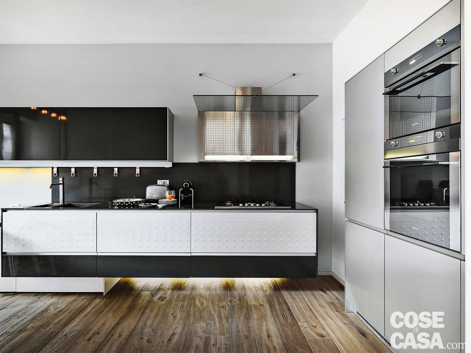 150 mq tutti da copiare dalla divisione soggiorno cucina for Piani di casa tropicale con cortili