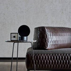 Seduta e schienale del Divano Sanders Air, design Spessotto&Agnoletto, di Ditre Italia, con rivestimento mix pelle trapuntata e tessuto