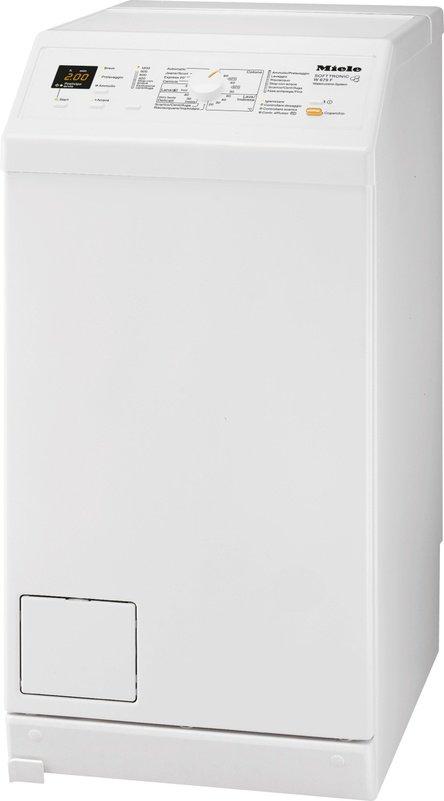 A carica dall'alto, la lavatrice W 679 F in classe di efficienza energetica A+++, ha capacità di 6 kg, centrifuga di 1.200 giri al minuto e possibilità di partenza posticipata fino a 24 ore. Misura L46xP60xH90 cm. Prezzo 1.799 euro. www.miele.it