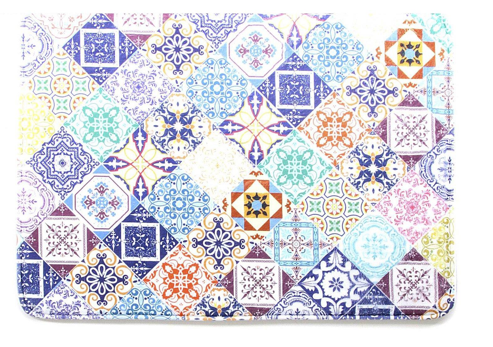 ... Con Decoro Azulejos, Il Tappeto Per Il Bagno Di Kasanova è Realizzato  In Poliestere.
