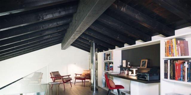145 mq terra-tetto: ampi volumi a doppia altezza. come in un loft con soppalco sottotetto