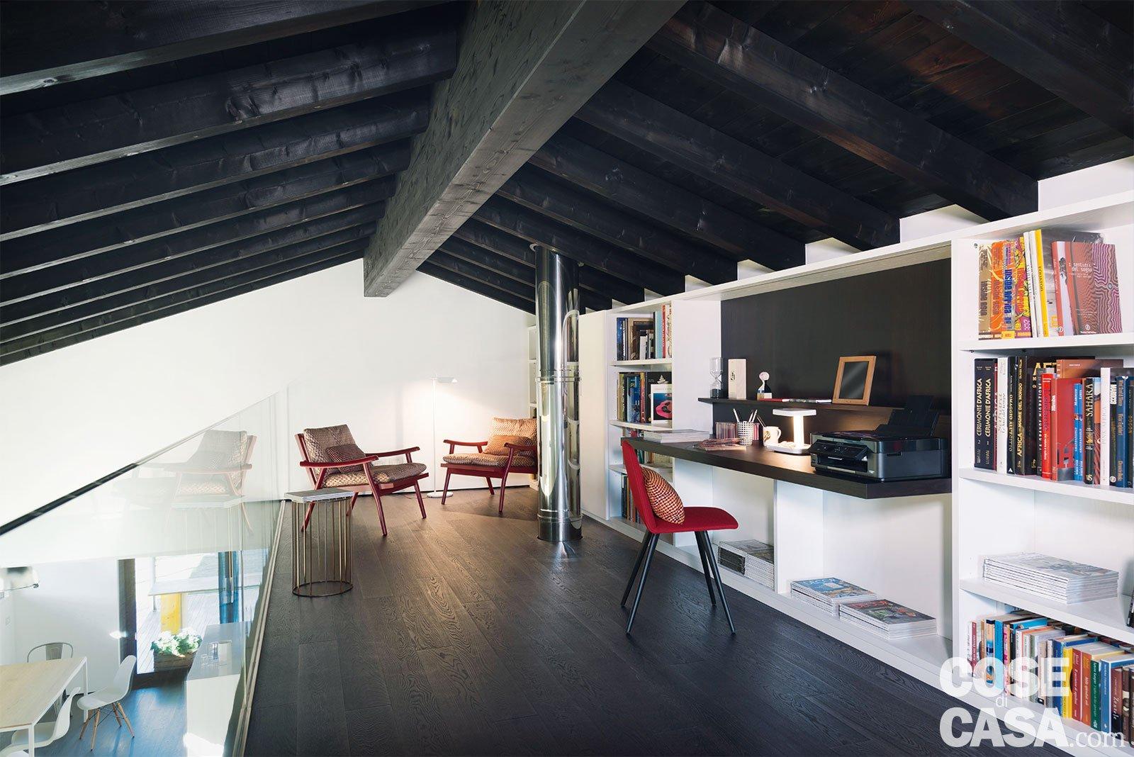 Soppalco Autoportante In Acciaio 145 mq terra-tetto: ampi volumi a doppia altezza. come in un