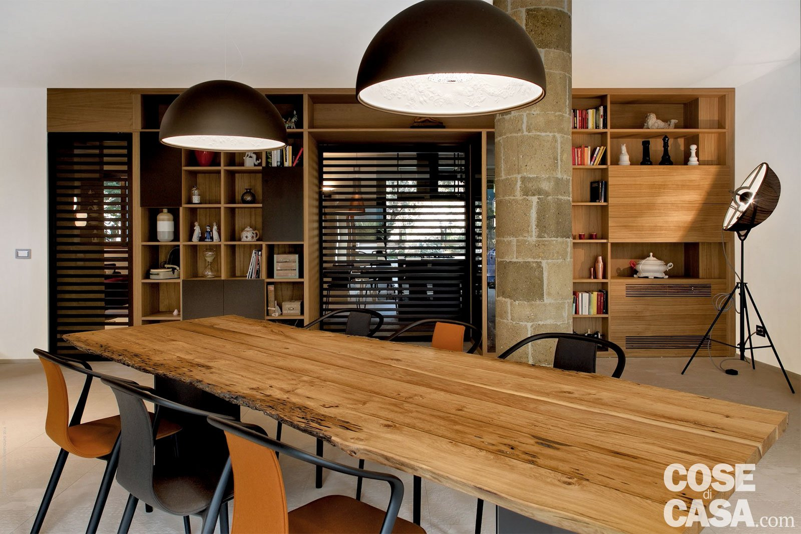 Cucina Soggiorno Open Space Rustico. Top Un Camino Che Rende La ...