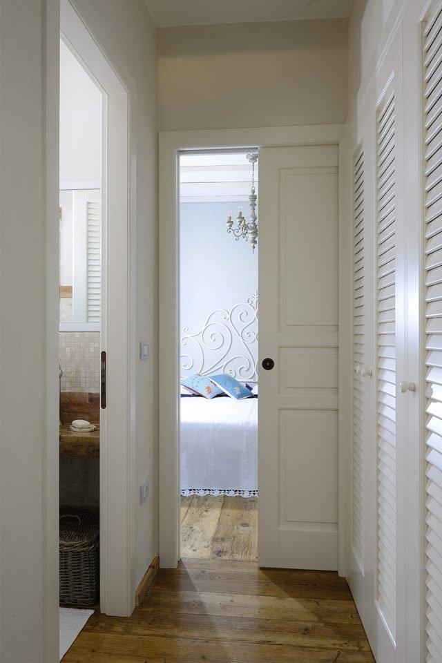 Porte come elementi d 39 arredo anche in contrasto con lo stile dell 39 ambiente cose di casa - Porte interne contemporanee ...