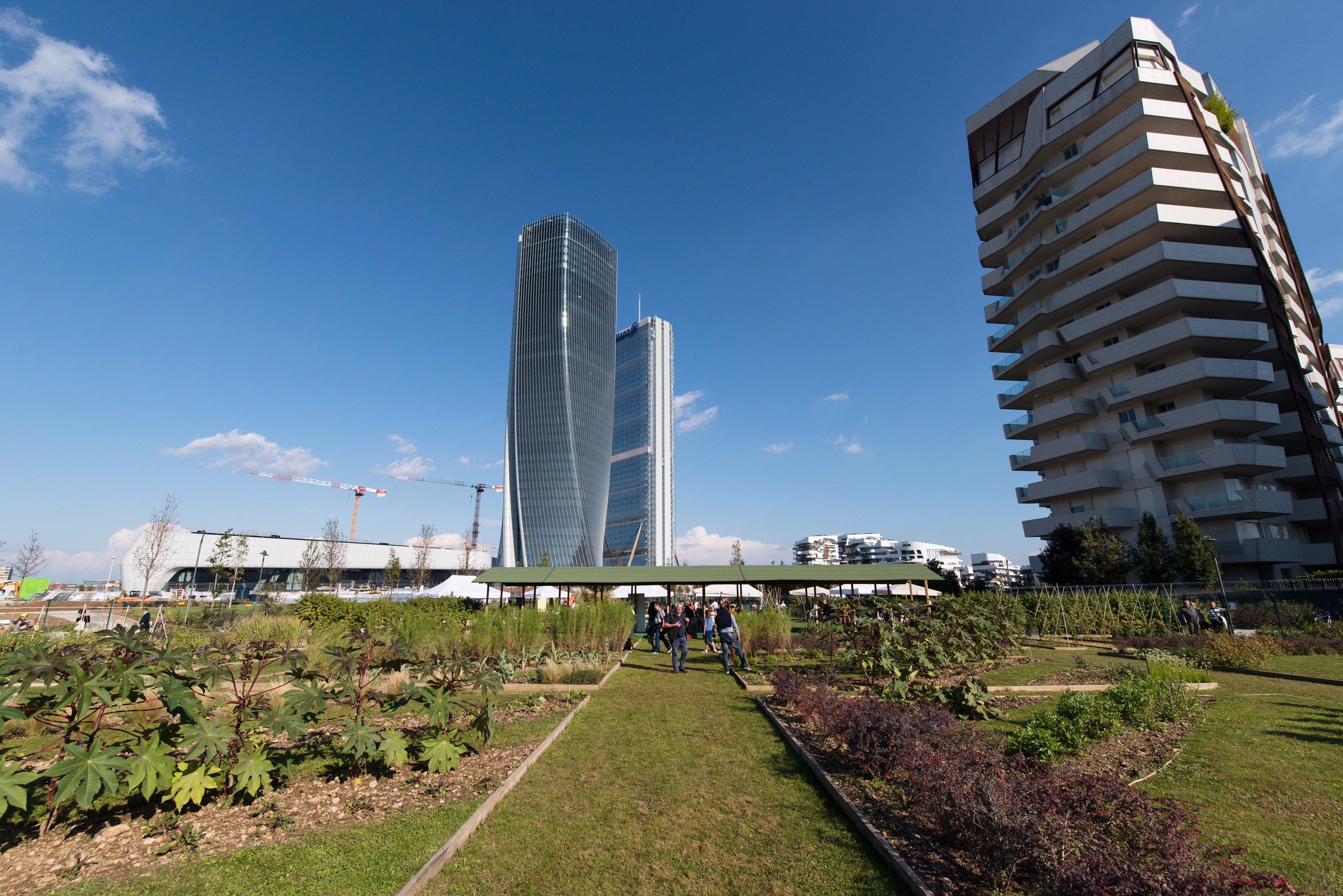 Per la giornata del fai domenica apre a milano la torre for Quartiere city life