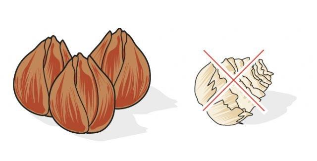1. Al momento dell'acquisto scegliere bulbi sodi, con una buccia di colore marrone, come quella delle cipolle. Scartare quelli molli o raggrinziti perché potrebbero essere marci o morti.