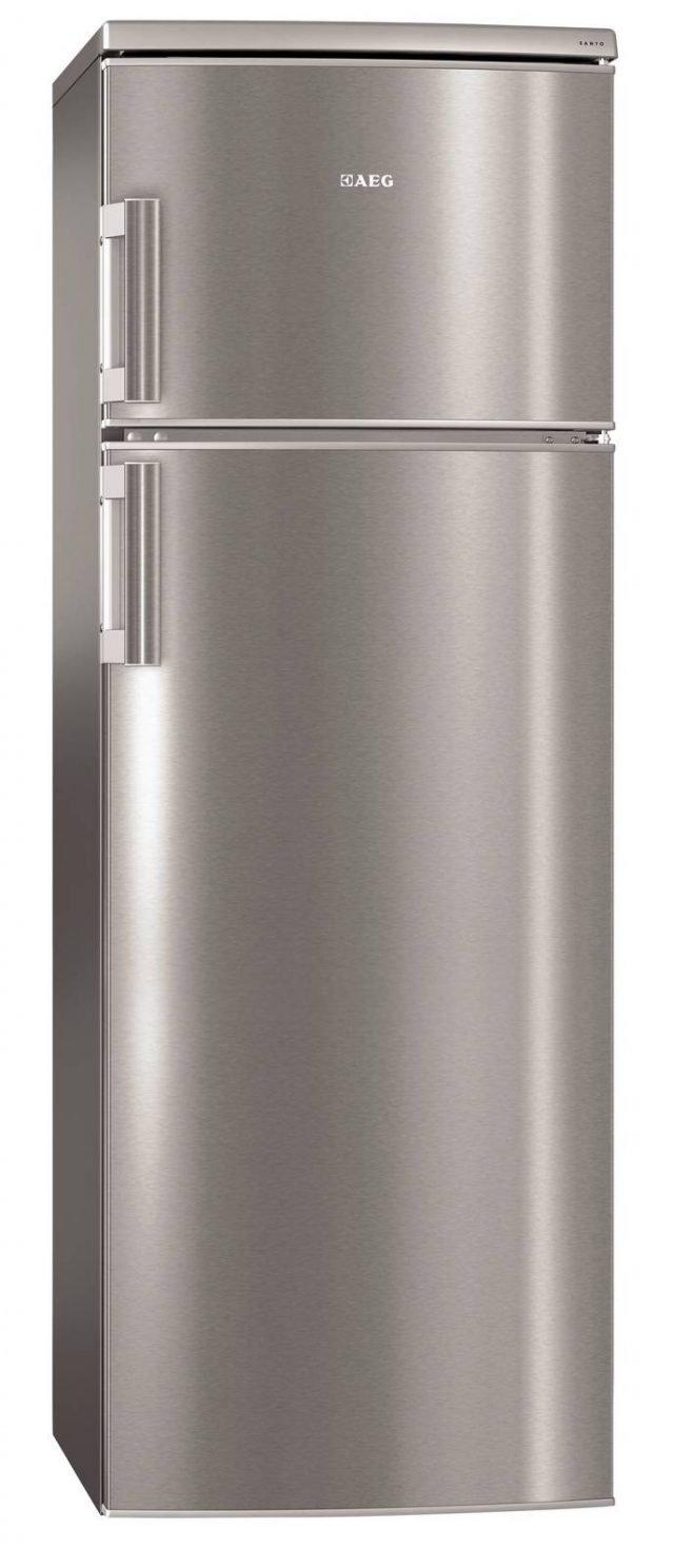 Il frigorifero a doppia porta S72700DSX1 Santo di Aeg garantisce perfetta conservazione con elevato risparmio energetico, tanto da classificarsi in classe A++: risparmia il 40% di energia rispetto a pari modelli in classe A. Ha volume per gli alimenti freschi di 220 litri e per quelli congelatati di 50 litri e un'autonomia in caso di black out di 20 ore. Misura L 55 x P 60 x H 160 cm. Prezzo 569 euro. www.aeg.it