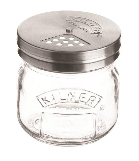 Storage Jar di Kilner può essere utilizzato per conservare e spargere il formaggio grattugiato. Basta ruotare il coperchio per regolare l'erogazione fino a chiuderlo completamente così da poter conservare il contenuto direttamente nel frigorifero. Prezzo 6,20 euro. distr. Kunzi, www.kunzi.it